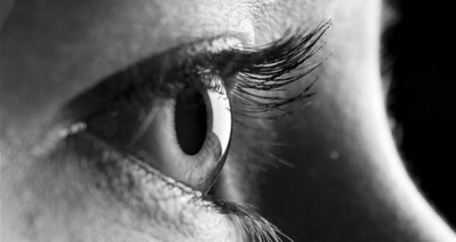 كيف يمكن أن تقرأ شخصية الإنسان من عينيه؟