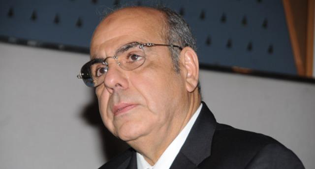 راوراوة يجتمع بلاعبي الجزائر لطي الخلافات