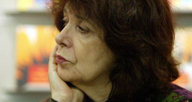 الموت يغيب الكاتبة الجزائرية آسيا جبار عضو الأكاديمية الفرنسية
