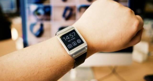 جامعات عالمية تبدأ بمنع الساعات الذكية