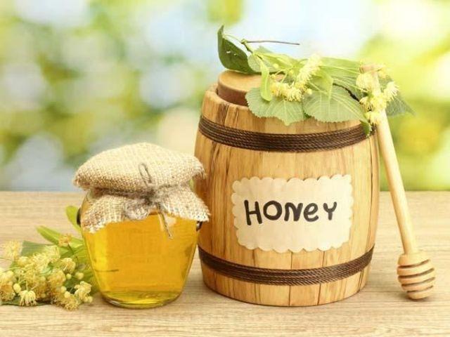 العسل الأبيض.. إكسير الشباب والجمال