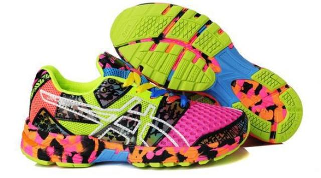 الألوان الزاهية تلوّن الأحذية الرياضية في ربيع 2015