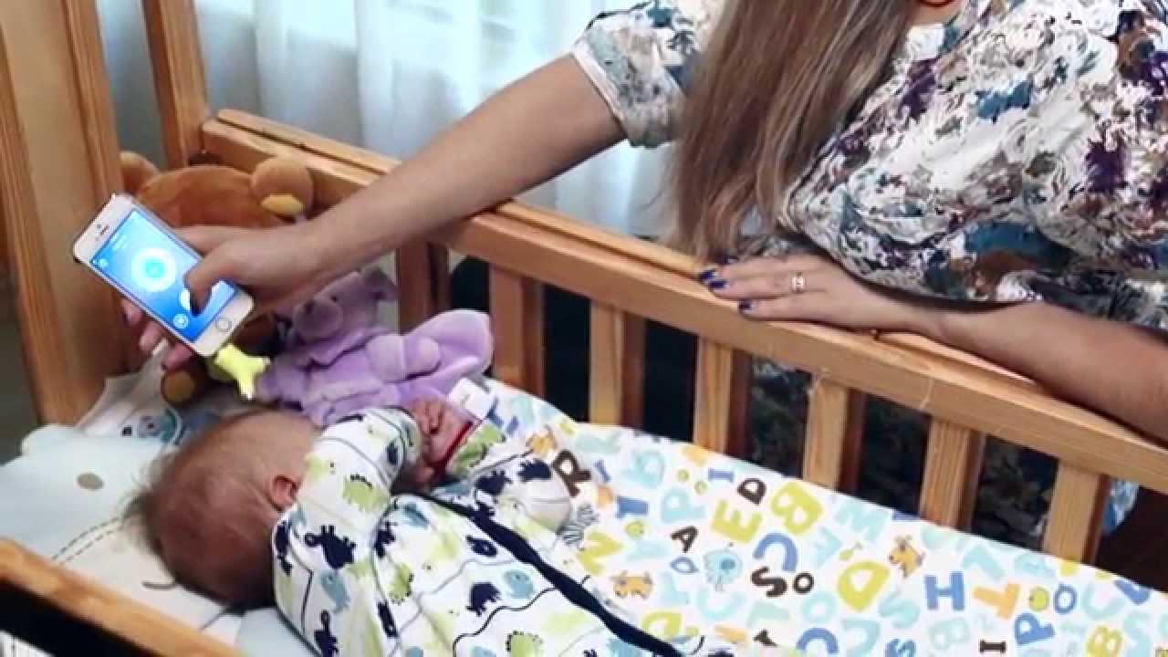 أول ميزان ذكي يقيس حرارة الطفل دون لمسه