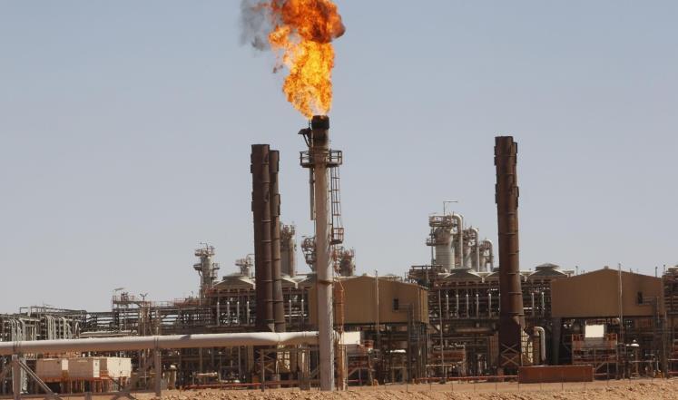 القاهرة تؤكد أن الغاز الإسرائيلي أقل تكلفة من الجزائري