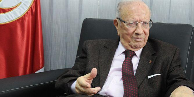 تونس.. رئيس الجمهورية يحمل مسؤولية مايحدث في الذهيبة إلى غياب الحوار