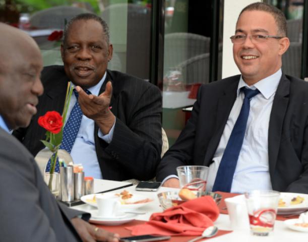 الكاف تمنع المغرب من المشاركة في دورتين للكان