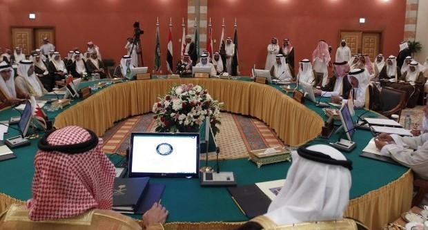 دول الخليج لا تنوي التدخل عسكريا في اليمن