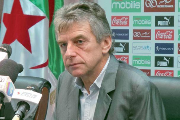 غوركوف يعلن التجديد في الخضر بعد الاقصاء