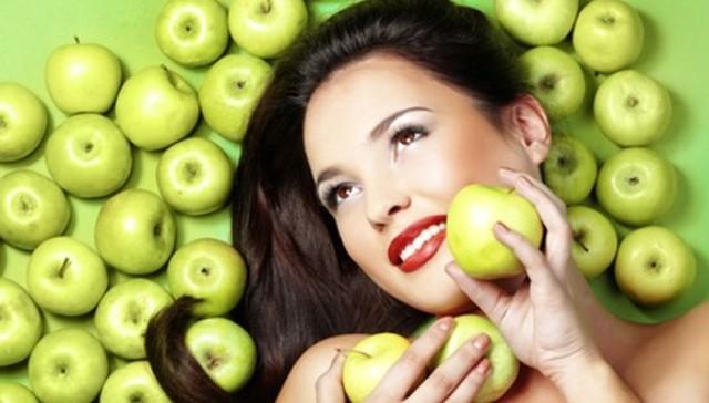تعرفي على الفاكهة المناسبة لك بحسب نوع شعرك