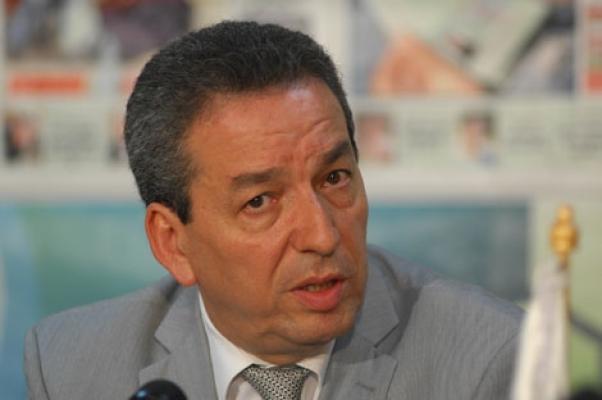 بن يونس يؤكد أن الجزائر لن تتخلى عن دعم المواد الأساسية شريطة عدم تهريبها