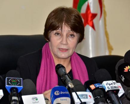 """وزيرة التربية بالجزائر تحدد 2020 موعدا لإنهاء معضلة """"القانون الخاص"""""""