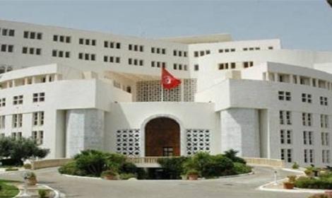 تونس تدعو رعاياها في ليبيا إلى الحذر والعودة للبلاد إن اقتضى الأمر