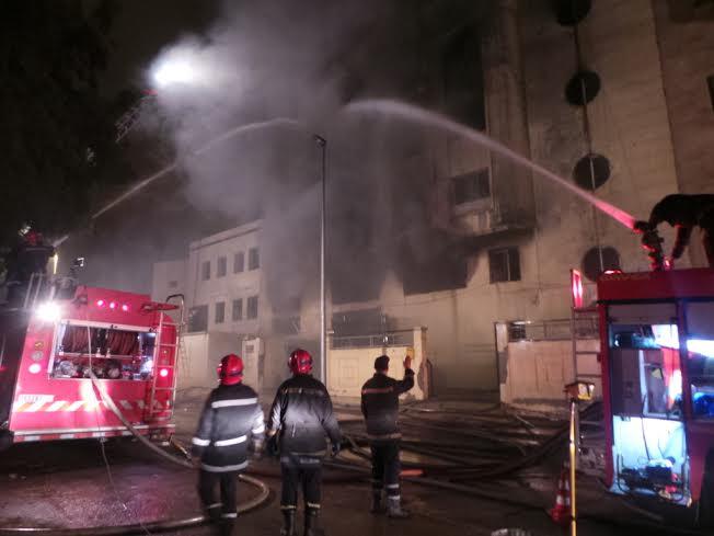 حريق بعمارة بشارع ملاكوف بالقصبة السفلى بالجزائر يتسبب في اتلاف أربعة محلات تجارية