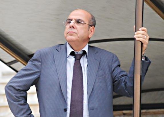 روراوة يتنازل عن منصبه بالفيفا ويرشح الجزائر لكان 2017