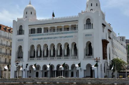 ولاية الجزائر تمهل متقاعدي التربية أسبوعا لإخلاء مساكنهم
