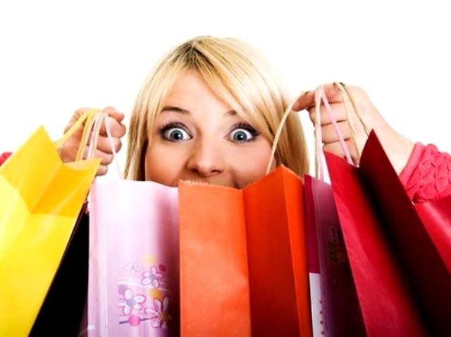 هذه هي الفترة التي تعشق المرأة فيها التسوق