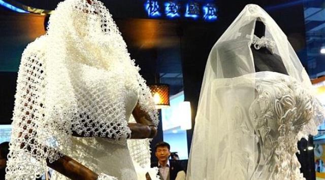بالصور: فساتين زفاف مطبوعة بتقنية ثلاثية الأبعاد