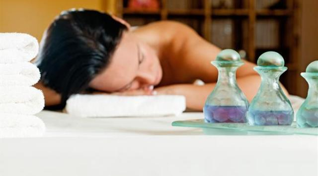 الزيوت العطرية.. علاج للجسد والروح
