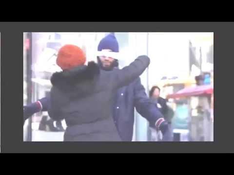 فيديو مدهش شاب مسلم في شمال أمريكا كتب على لافتة