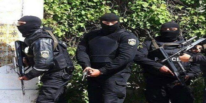 تونس تنظف مكان الجريمة بتنحية مدير إقليم الأمن بتونس