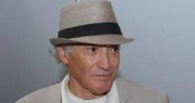 مع معمر القذافي وقطيع جماله في خيمته