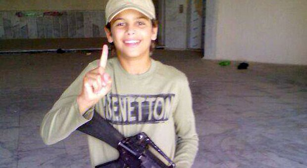 طفل فرنسي ذو 13 عاما أصغر قتلى
