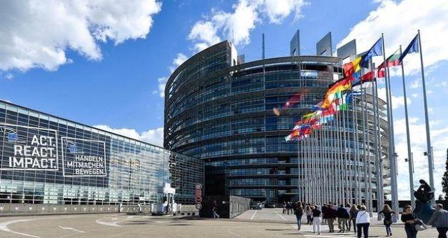 مواقف غامضة لأوروبا من الأزمة الليبية!!