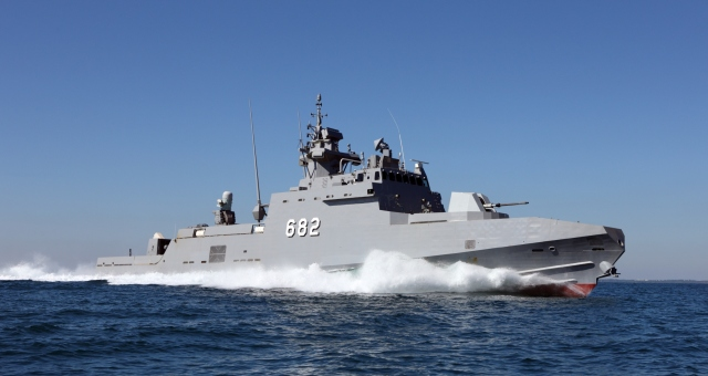 4 بواخر حربية مصرية تتجه إلى خليج عدن