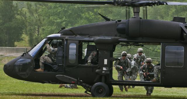 اختفاء 11 جنديا أمريكيا عقب تحطم مروحية بفلوريدا