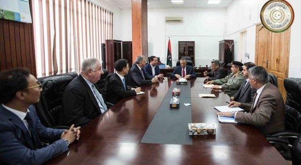 حكومة الثني تسعى لعقد صفقات سلاح مع شركات أجنبية