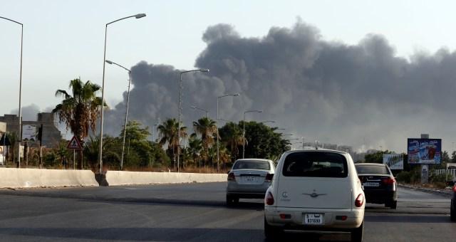 قوات حفتر تقصف مخزنا للأسلحة بمعيتيقة