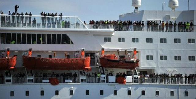 استمرار عملية الترحيل الطوعي لأفراد الجالية المغربية المقيمة في ليبيا