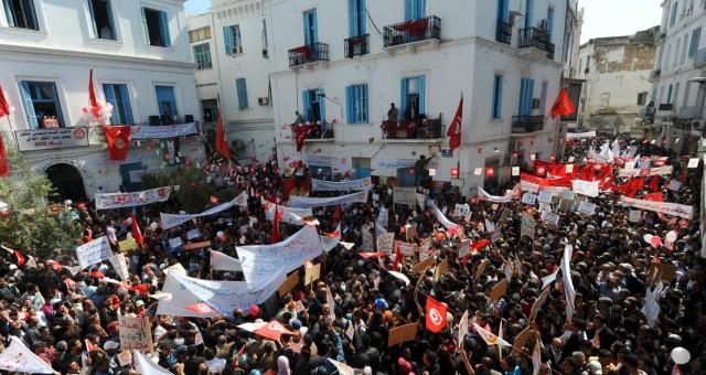 هل يصمد الربيع العربي في تونس في وجه الإرهاب؟