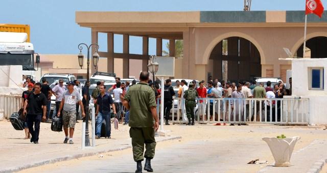 تساؤلات بخصوص الموقف التونسي من الحكومتين المتصارعتين في ليبيا