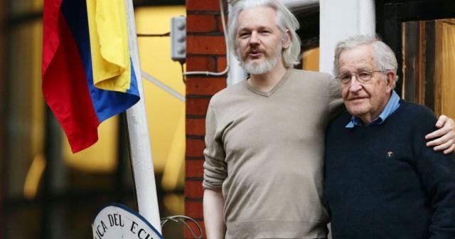 إمكانية التحقيق مع أسانج من داخل سفارة الإكوادور بلندن