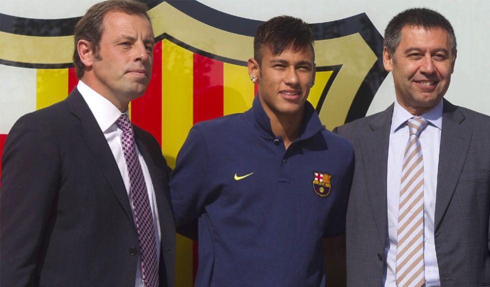 الحكم بالسجن على رئيسي فريق برشلونة