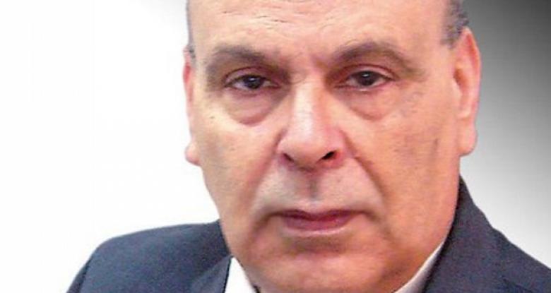 اعلاميان تونسيان يهددان بحرق جسديهما