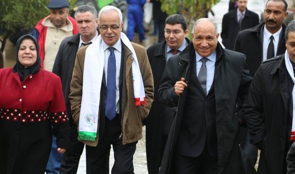 وزير الاتصال الجزائري يهدّد الصحافة الأجنبية