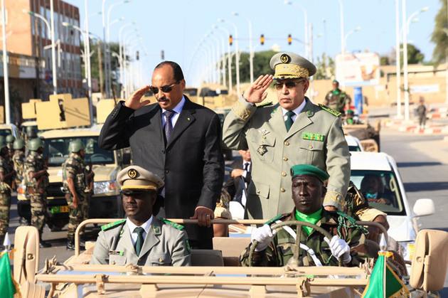 ولد عبد العزيز يجتمع بالقيادات العسكرية لأسباب أمنية