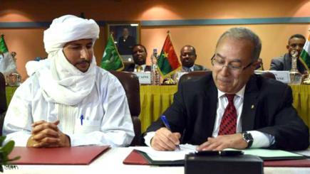 """أطراف مالية توقع على """"اتفاق الجزائر"""" لإنهاء الخلاف في انتظار موافقة الأطراف الأخرى"""