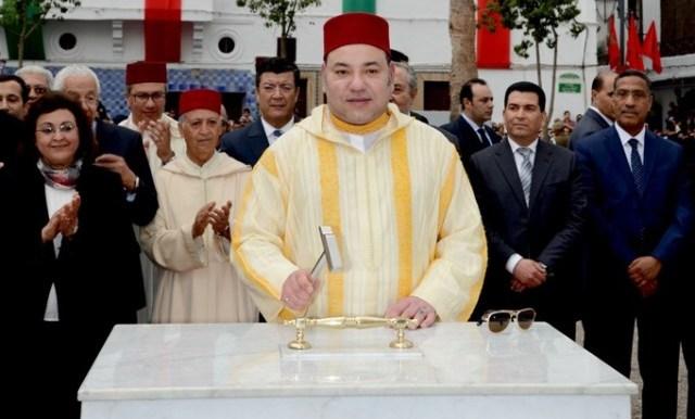 العاهل المغربي يشرف على إطلاق عدد من المشاريع لتأهيل المدينة القديمة في الدار البيضاء