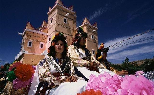 قلعة مكونة في جنوب المغرب تستعد لمهرجان الورود ببرنامج اقتصادي وسياحي وثقافي متنوع