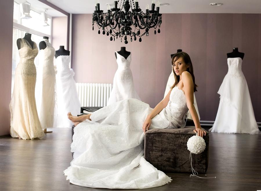 بالفيديو.. طرق اختيار فستان زفافك المناسب لشكل جسمك
