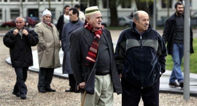 المغرب يؤكد تمسكه بمكتسبات أفراد جاليته في هولندا