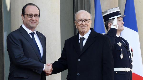 السبسي يصل إلى فرنسا والأمن والاقتصاد على الأجندة