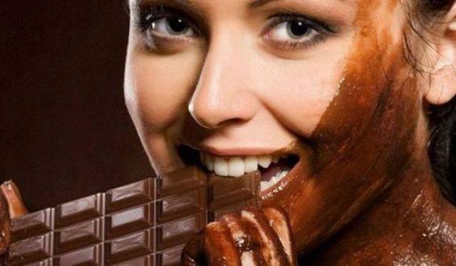 10 فوائد مدهشة للشوكولاته على البشرة