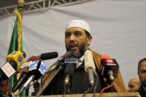 رئيس جبهة العدالة والتنمية الجزائري يدعو إلى مراجعة جذرية للدستور