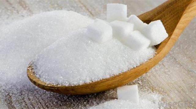 5 أطعمة بيضاء ينبغي الحذر منها وقت الحمل