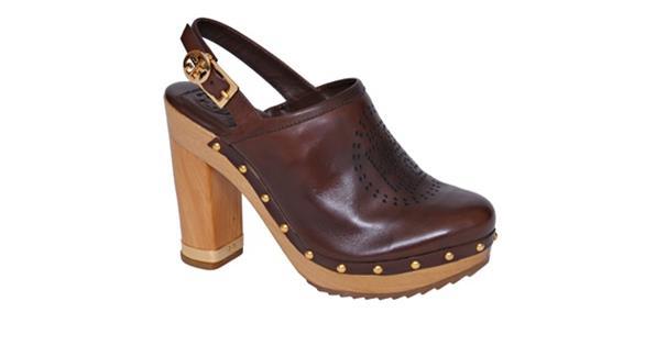 الحذاء الخشبي لإطلالة جريئة في صيف 2015