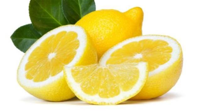 7 استخدامات بسيطة لليمون في مطبخك